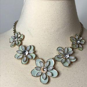 """Jewelry - Rhinestone Flower Statement Necklace Approx 21"""""""